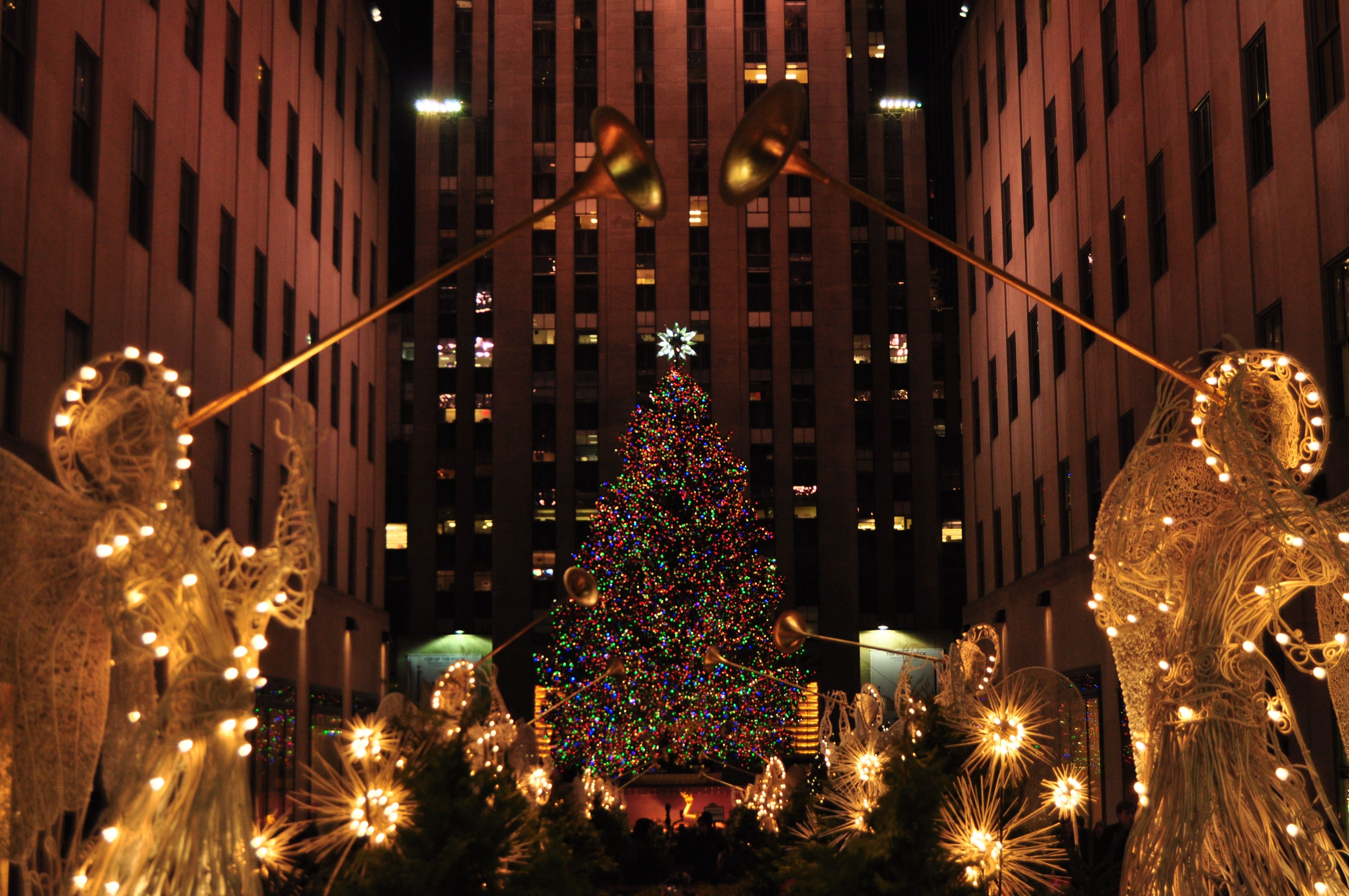 2 nomads. 1 narrative. christmas in new york city 2 nomads. 1