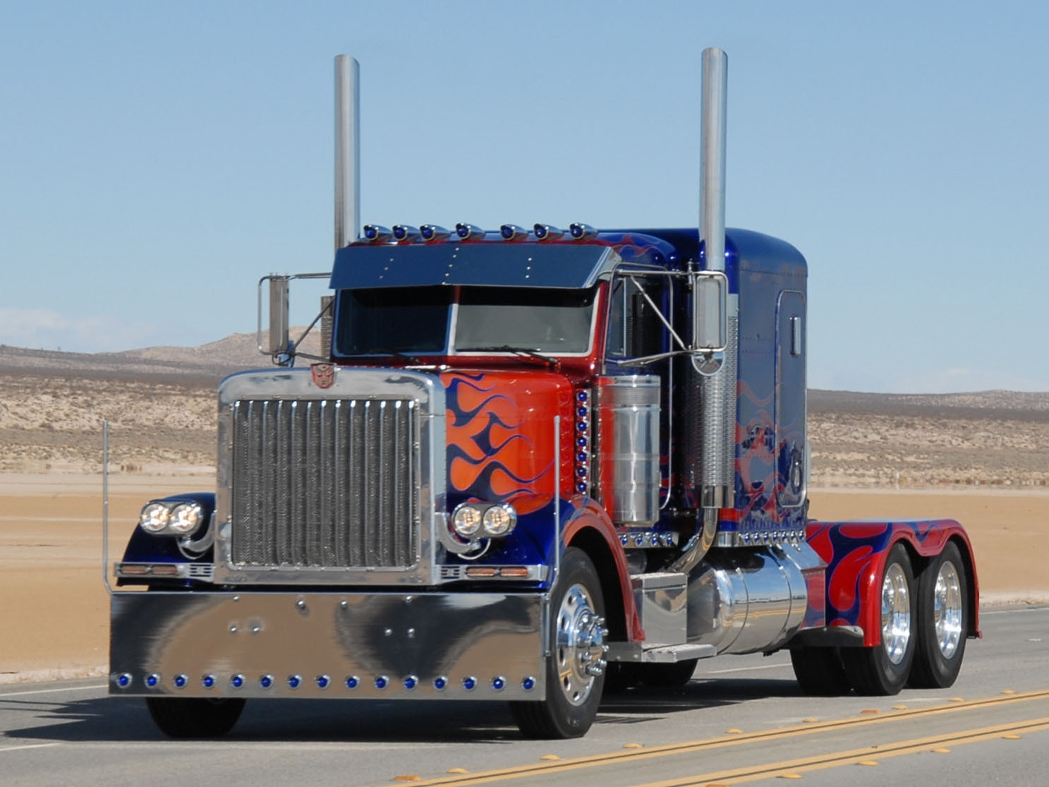 9 super cool semi trucks you won't see every day - nexttruck blog