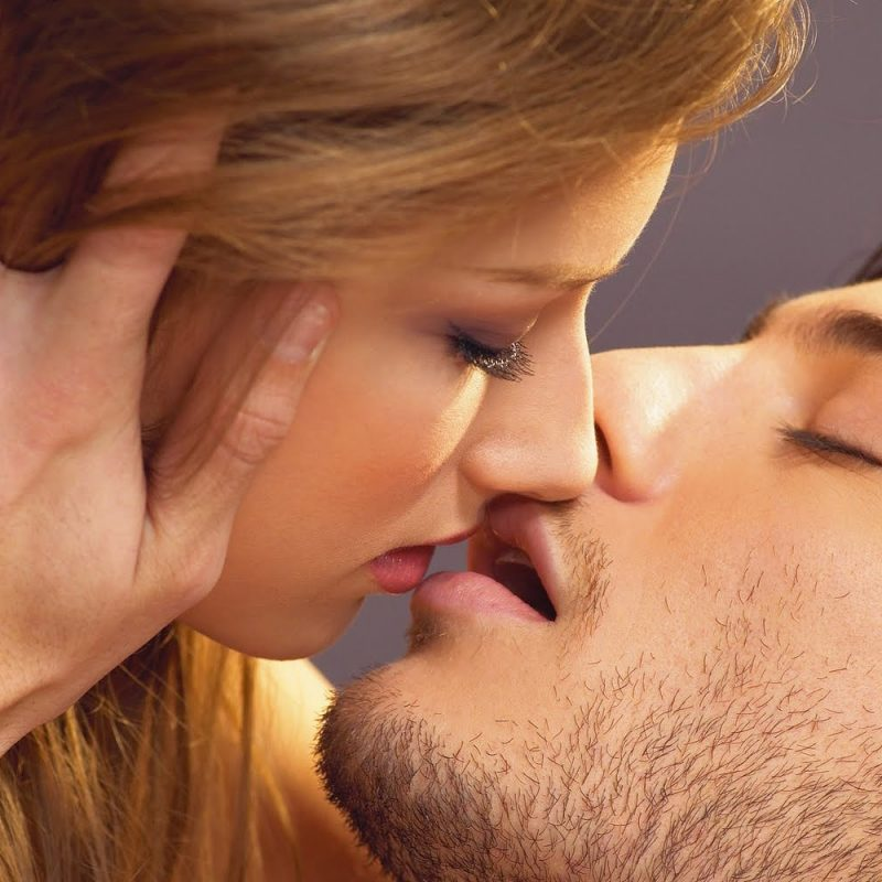 10 Latest Romantic Kiss Images Hd FULL HD 1080p For PC Desktop 2020 free download best romantic kiss day 2018 kissing pictures pics photos 800x800