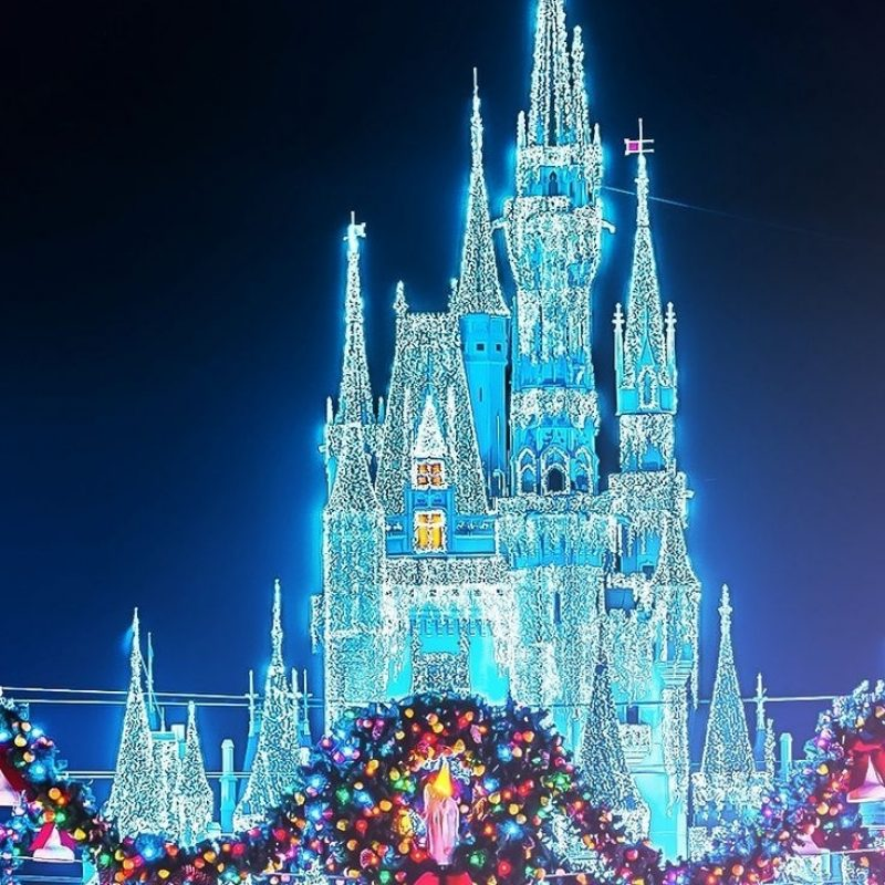 10 Most Popular Disney Christmas Wallpaper Iphone FULL HD 1920×1080 For PC Desktop 2020 free download christmas disney magic kingdom castle with the wreaths photographer 800x800