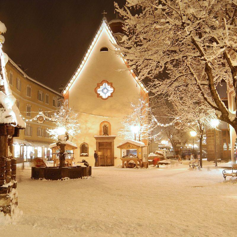 10 New Christmas Lights Snow Wallpaper FULL HD 1080p For PC Desktop 2021 free download christmas lights wallpaper 7909 800x800
