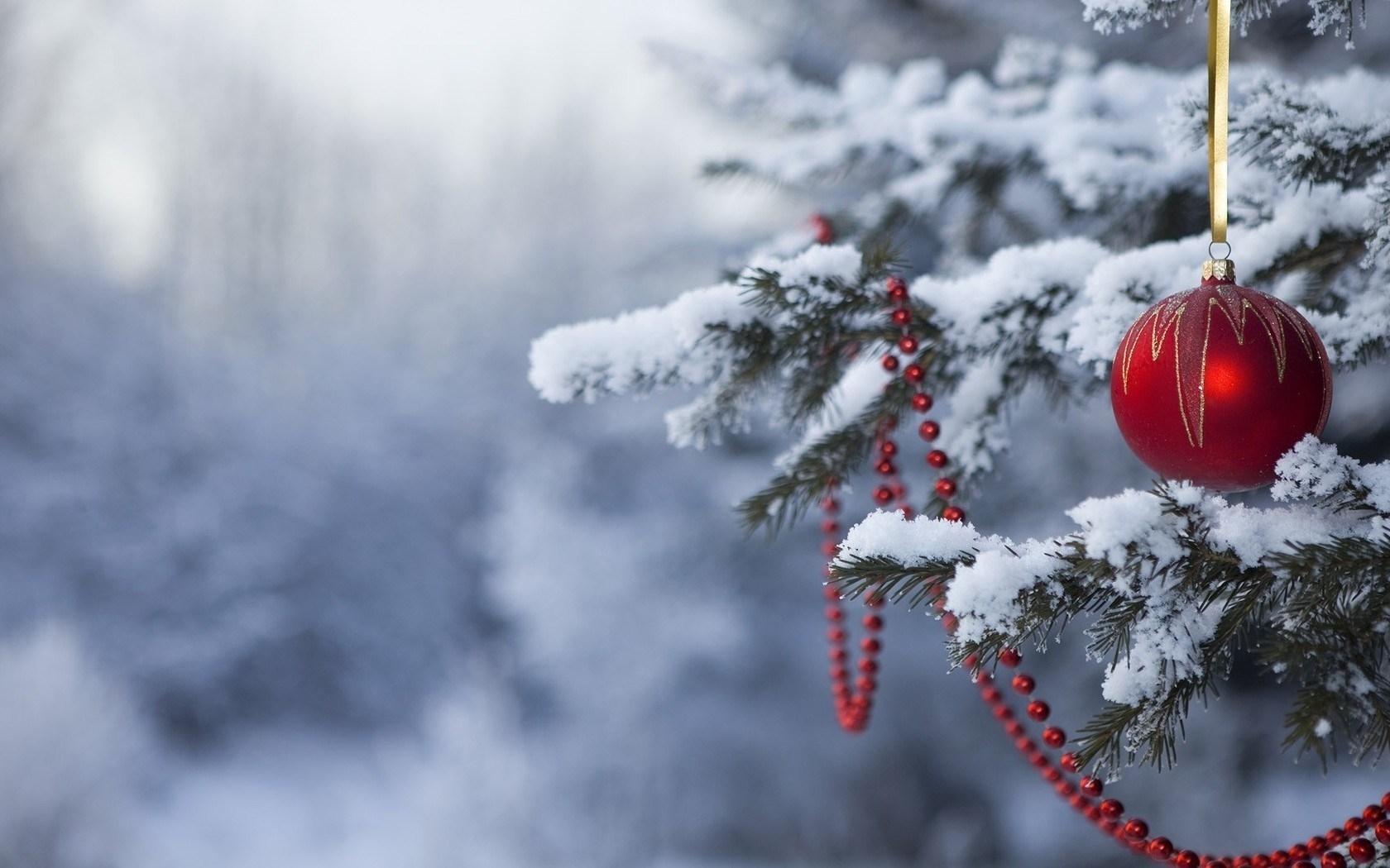 christmas tree balls snow winter desktop wallpaper