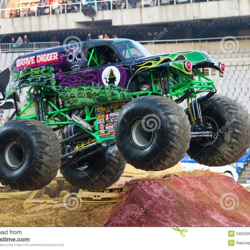 10 Top Pictures Of Grave Digger Monster Truck FULL HD 1080p For PC Desktop 2018 free download grave digger monster truck editorial photography image of jumping 800x800