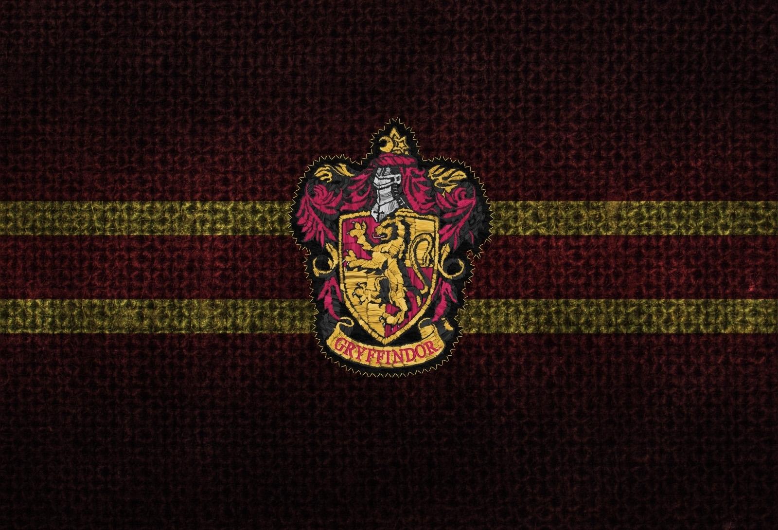 Cool Wallpaper Harry Potter 1080p - harry-potter-crest-gryffindor-hogwarts-1600x1089-wallpaper-high  Graphic_423487.jpg