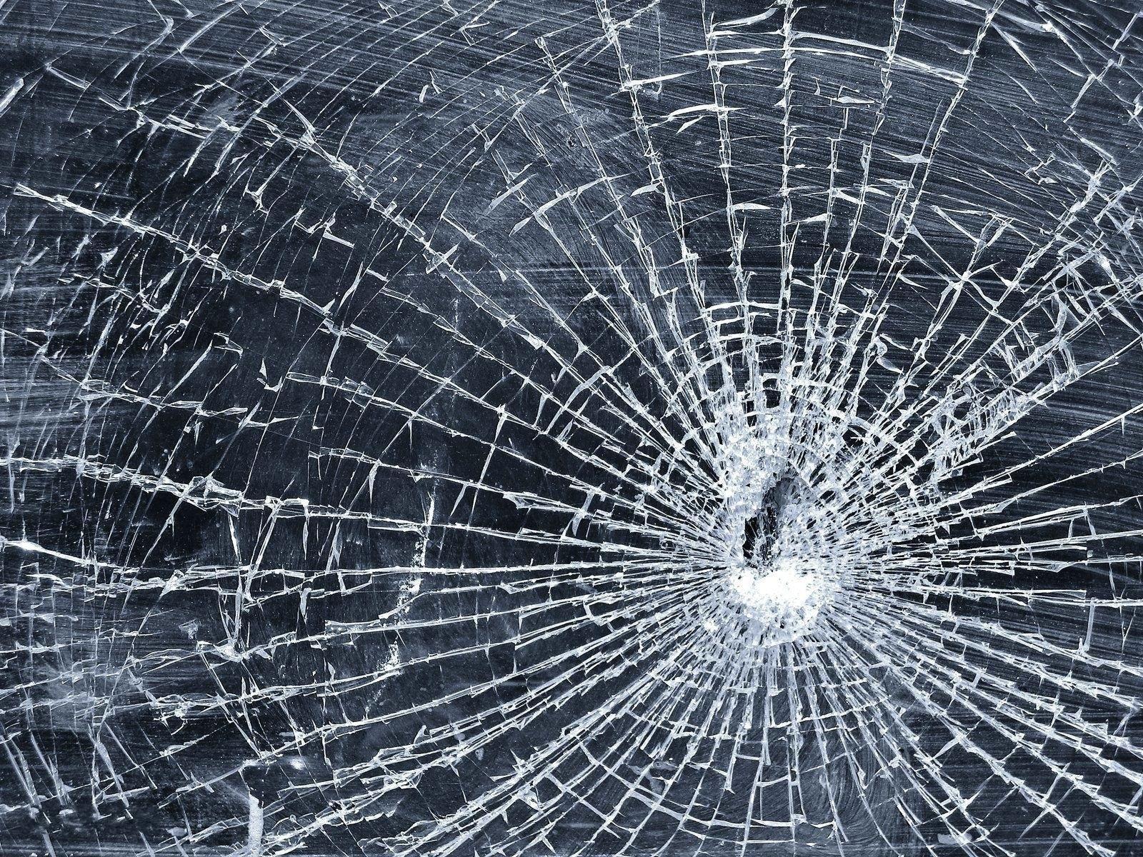 hd-wallpapers-cracked-screen-wallpaper-download-broken-glass-arena