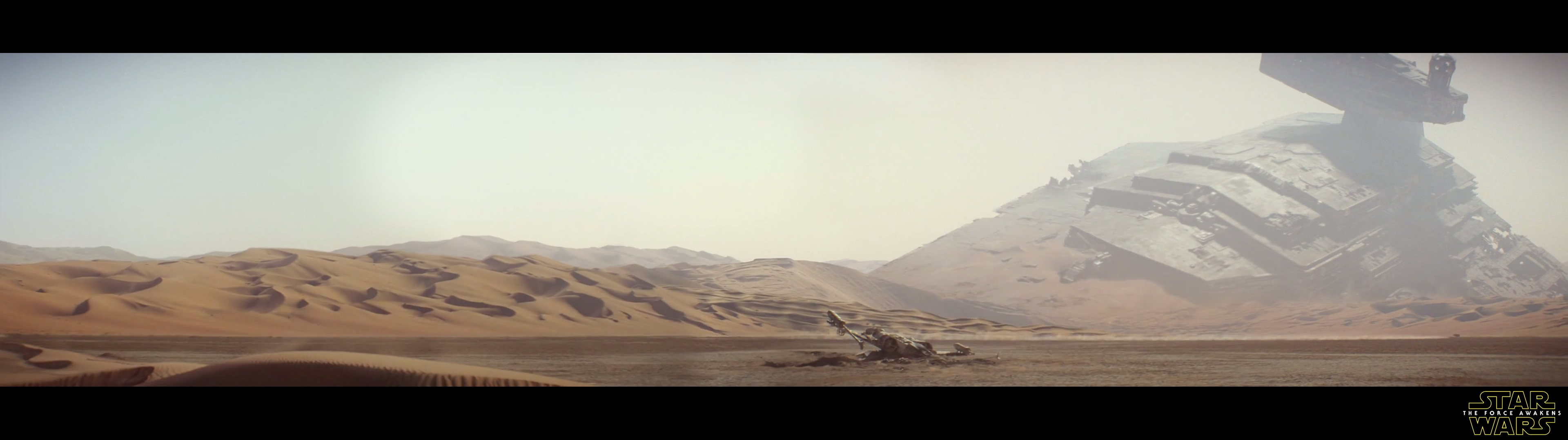 i spliced the new trailer's opening pan together into a 3840x1080