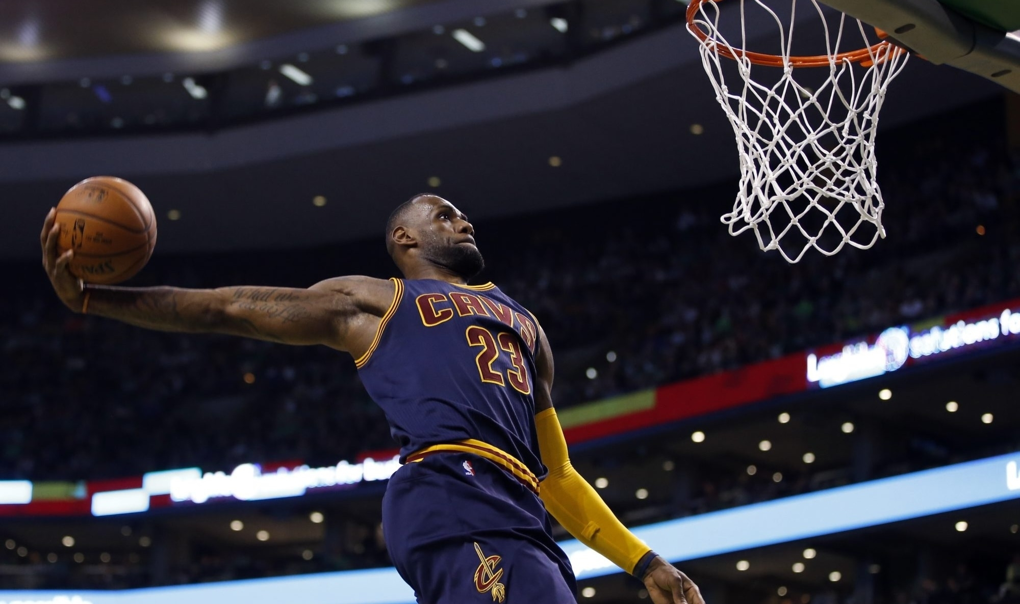in his 14th season, lebron james sets career-high for total dunks