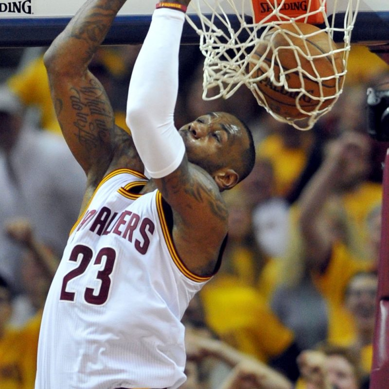 10 Best Pictures Of Lebron James Dunking FULL HD 1080p For PC Desktop 2018 free download lebron james goes sky high for two handed reverse slam dunk lebron 1 800x800