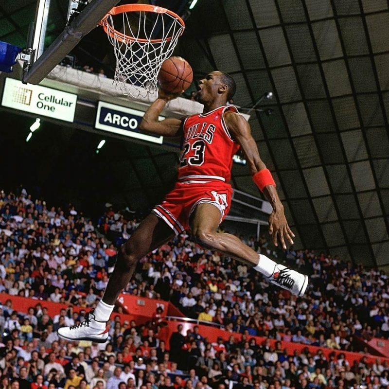 10 Most Popular Michael Jordan Dunk Hd FULL HD 1080p For PC Background 2021 free download lhistoire de la photo du dunk mythique de michael jordan cool kicks 800x800