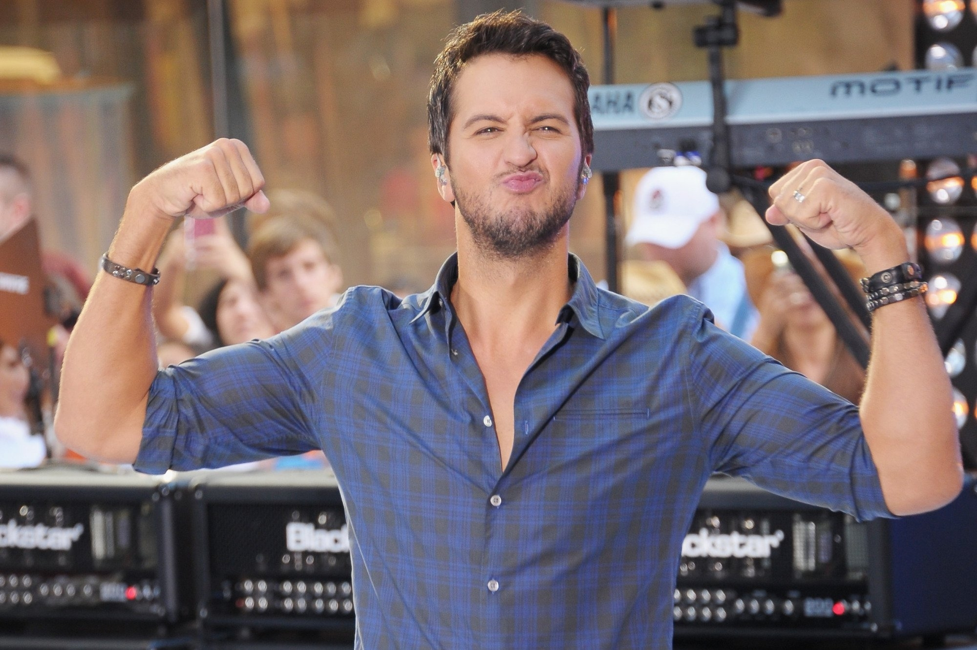 luke bryan wallpaper pictures 53671 2000x1331 px ~ hdwallsource