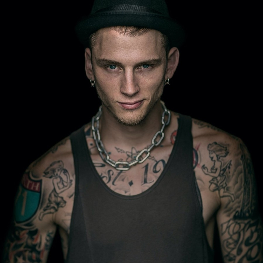 machine gun kelly inspires through rap – dakota student