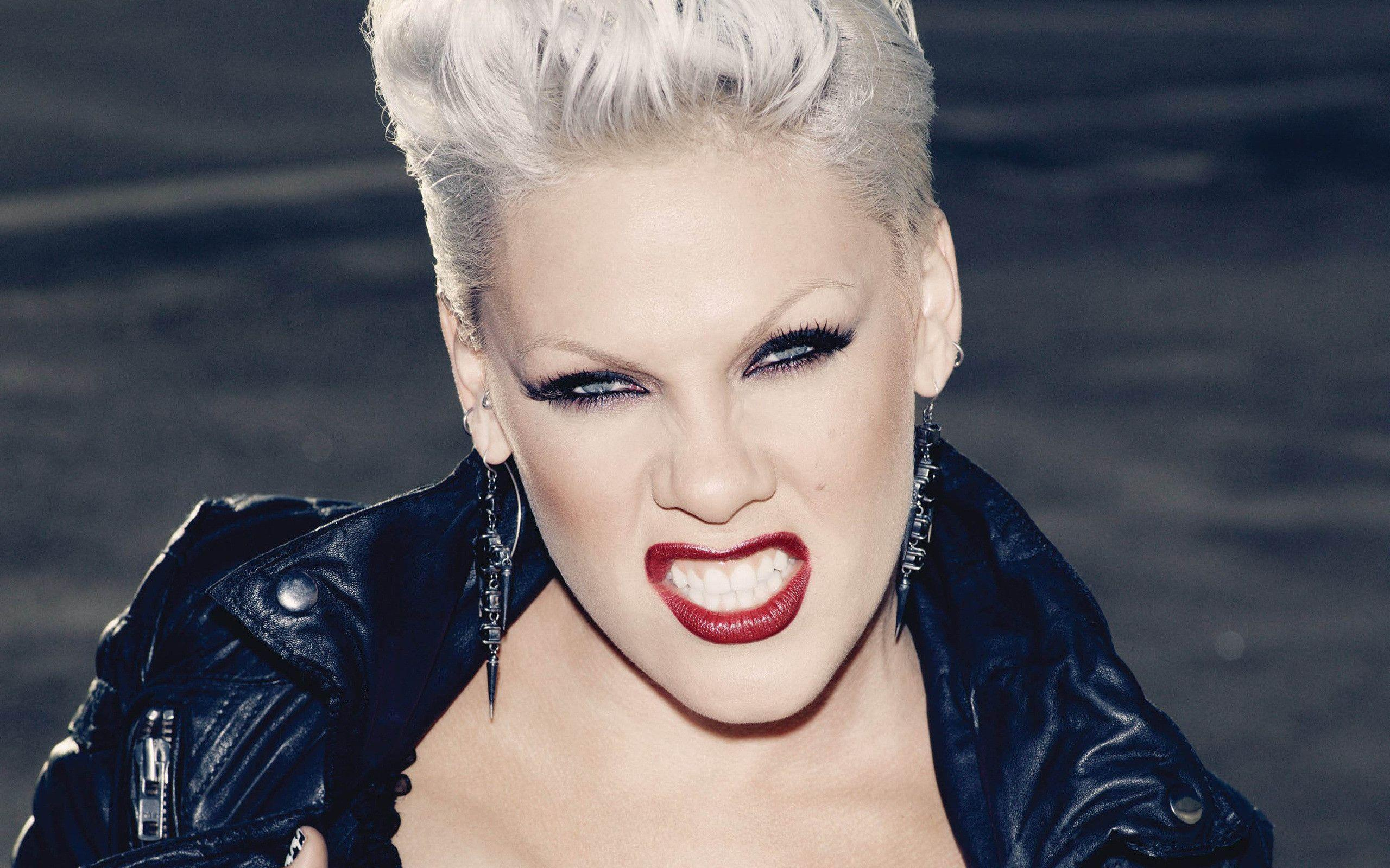 pink (singer) biography, husband, net worth, facts you need to know