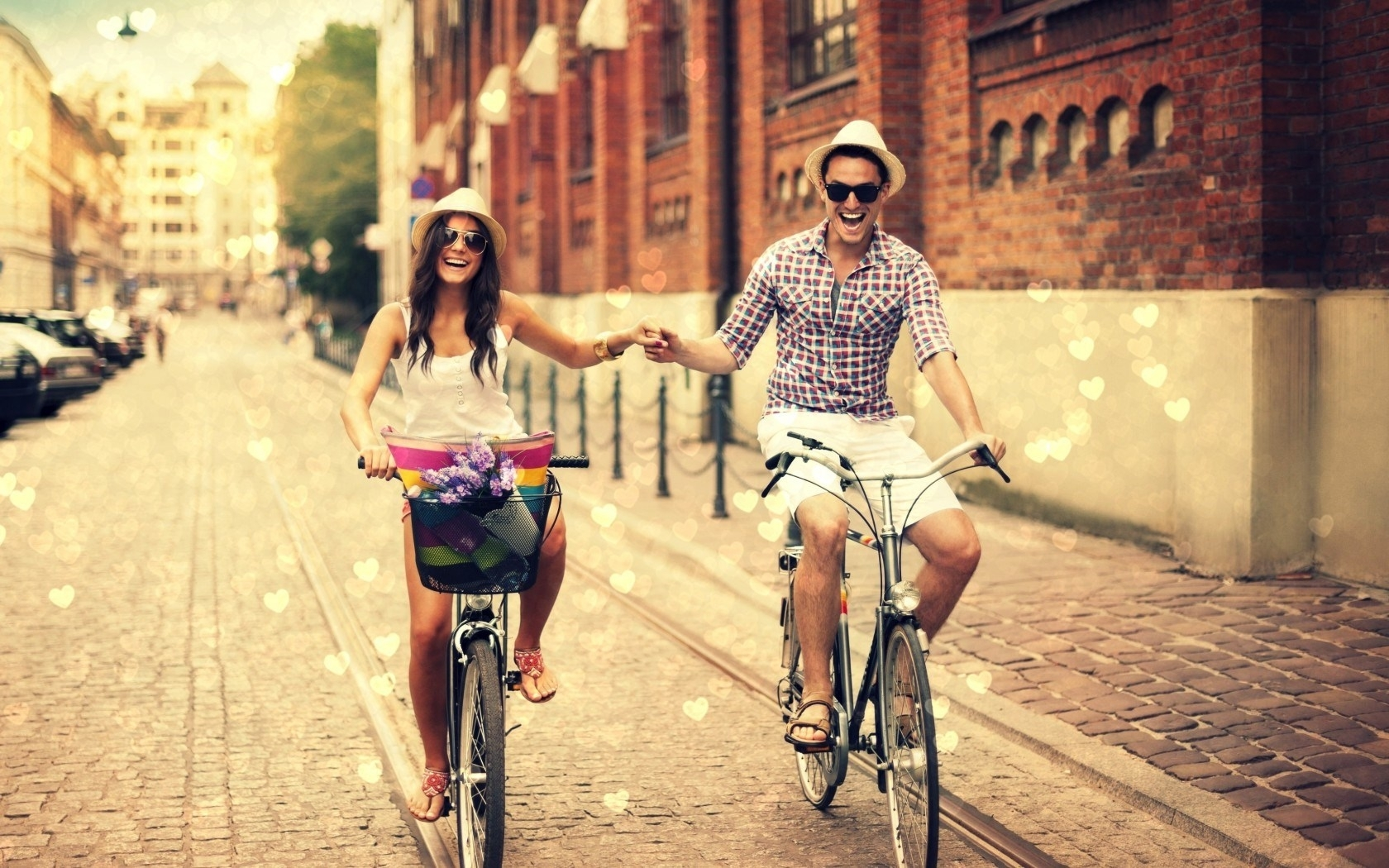 street-boy-girl-bicycles-love-hearts-city-hd-wallpaper | everything