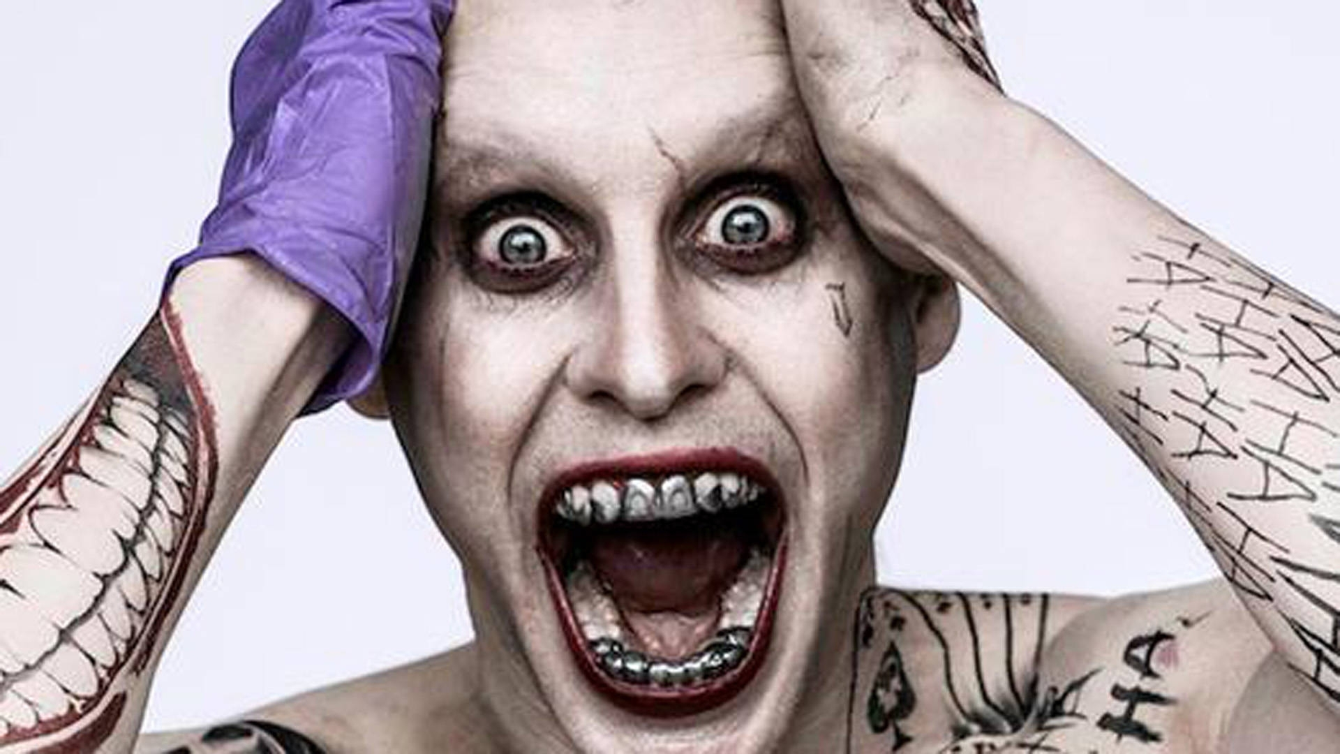were joker's teeth changed in suicide squad?